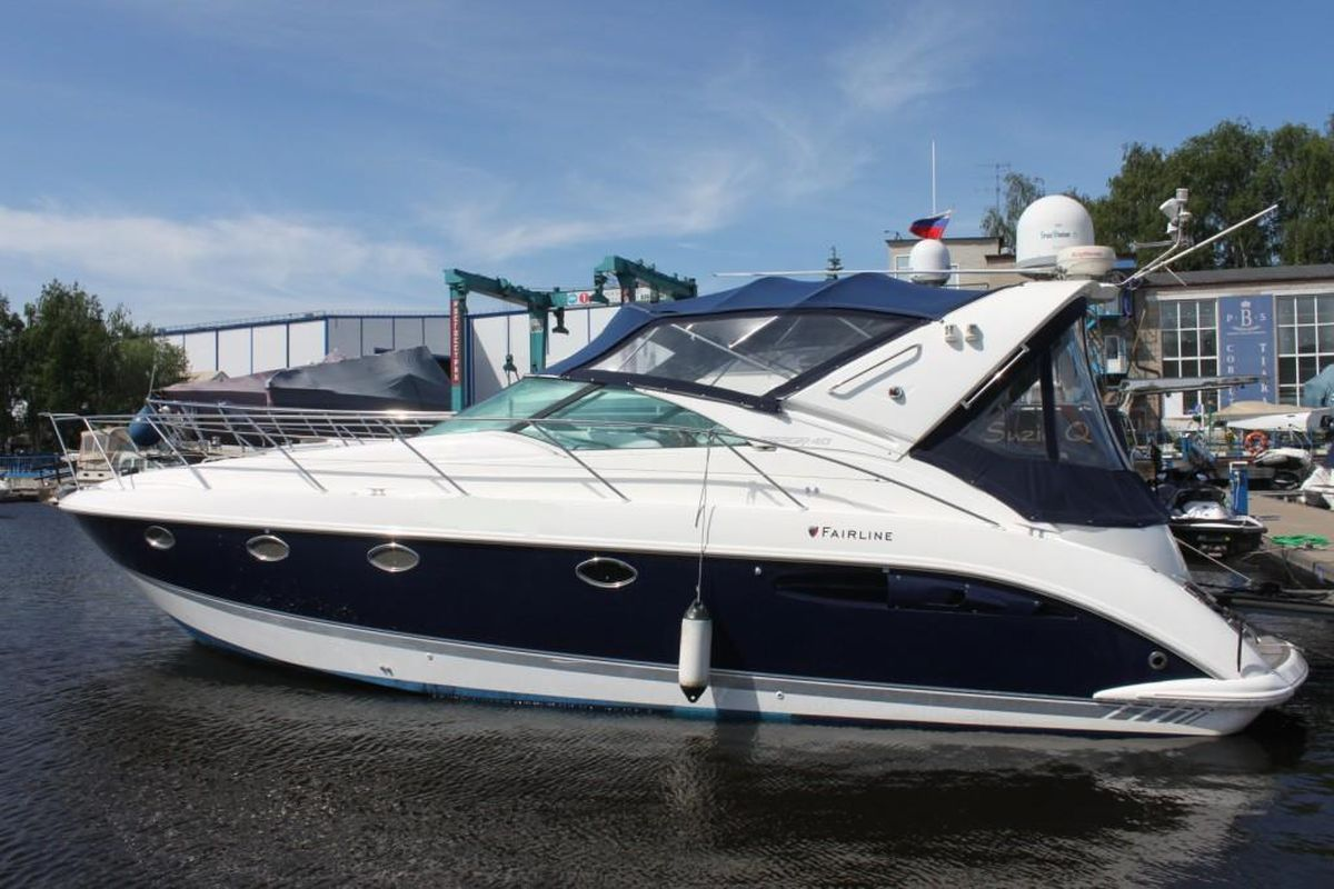 моторная яхта FAIRLINE TARGA 40