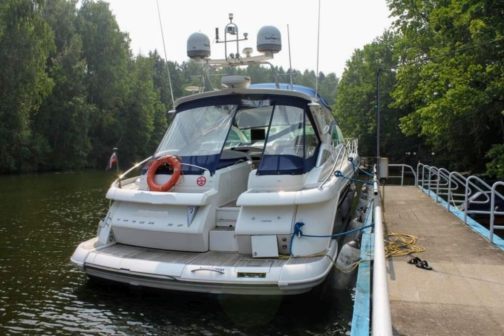 Моторная яхта Fairline Targa 52